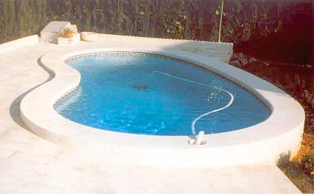 Piscinas prefabricadas en poliester las piscinas - Formas de piscinas ...