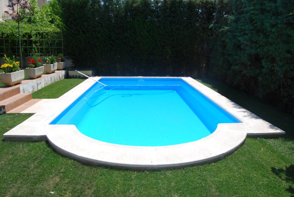 Piscinas prefabricadas en poliester chapuzones y fiestas for Casas con piscinas fotos