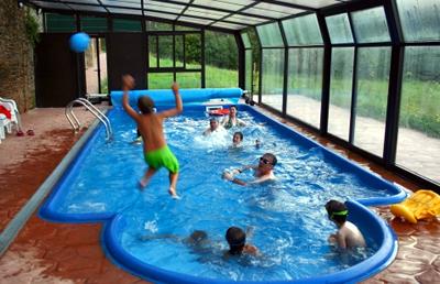 Piscinas prefabricadas en poliester el sue o de cualquier for Sonar con piscina