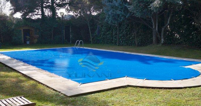 Piscinas prefabricadas en poliester piscinas prefabricadas for Piscinas prefabricadas