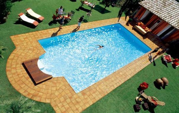 Piscinas prefabricadas en poliester qu modelo de piscina for Modelos de piscinas caseras