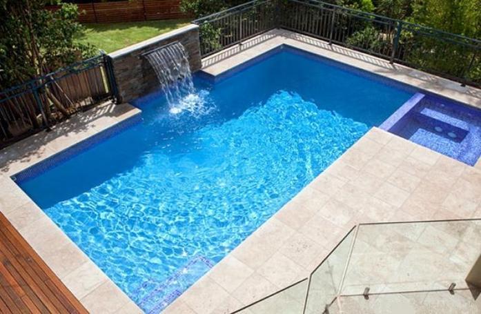 Piscinas prefabricadas en poliester piscinas de fibras for Piscinas de poliester economicas