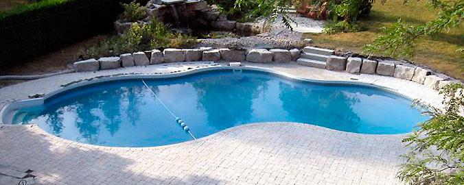 Piscinas prefabricadas en poliester piscinas poliester for Piscinas enterradas baratas