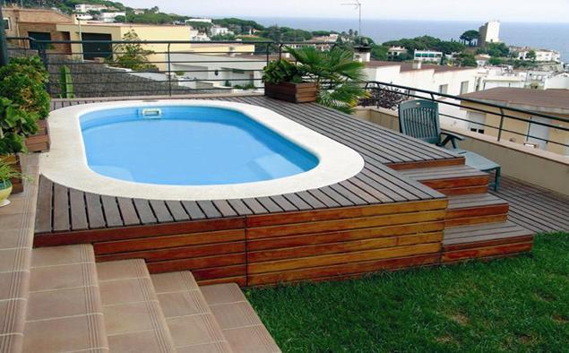 Piscinas prefabricadas en poliester piscinas de poli ster for Piscina bebe con parasol